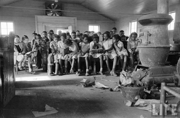 west-memphis-schoolhouse-segregated